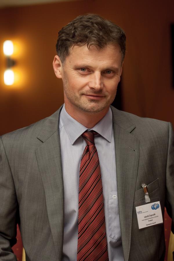 Dr. Laszlo Zopcsak - Πρόεδρος της IWI